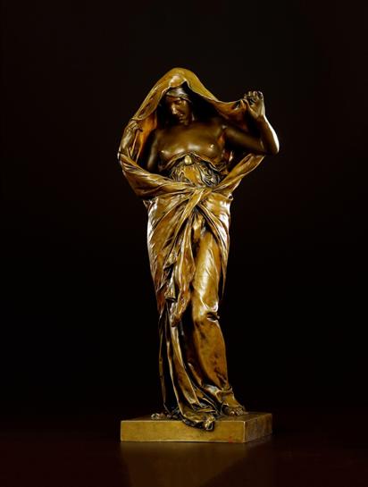 2017西泠春拍  路易-埃尔奈斯-巴里亚斯 自然在科学面前揭开面纱 年代:法国 约1899 年 材质:纯铜 高:43.6cm 宽:10.5cm 底座长:15.2cm
