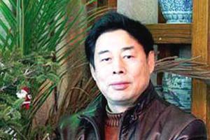 苗再新 1953年生,山东栖霞人。中国美术家协会理事、第五届中国书法家协会理事、中国国家画院研究员。