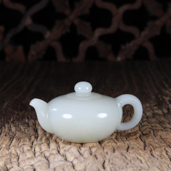 02202杨光  和田玉籽料把把壶