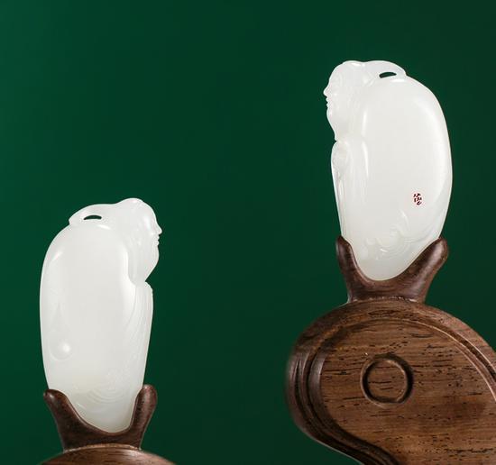 苏州玉雕名家 方红根 羊脂玉问道摆件一对 成交价:550,000元
