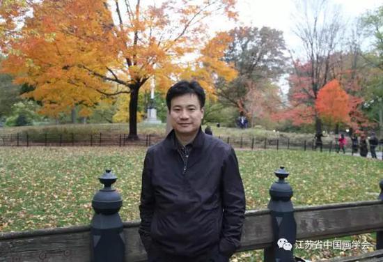 翟优  中国画学会理事、江苏省中国画学会副会长兼秘书长
