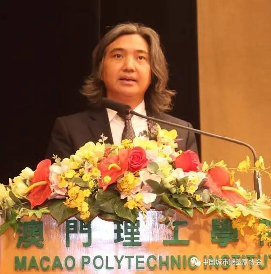 国际著名雕塑家、中国美术馆馆长吴为山教授致辞