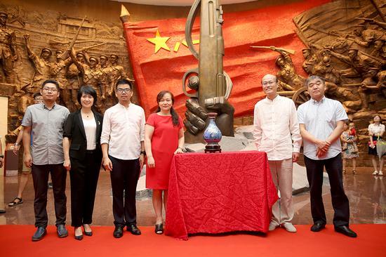 大阅兵元首礼《和平欢歌》入藏仪式在南昌八一起义纪念馆隆重举行