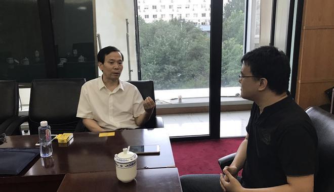 中国艺交所董事长瞿贤军接受新浪收藏文交频道专访