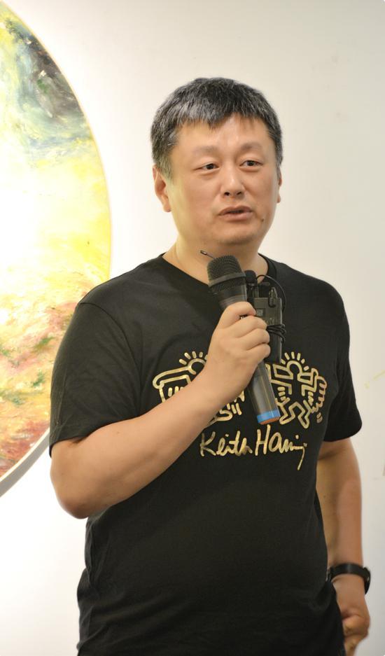 艺术批评家赵力