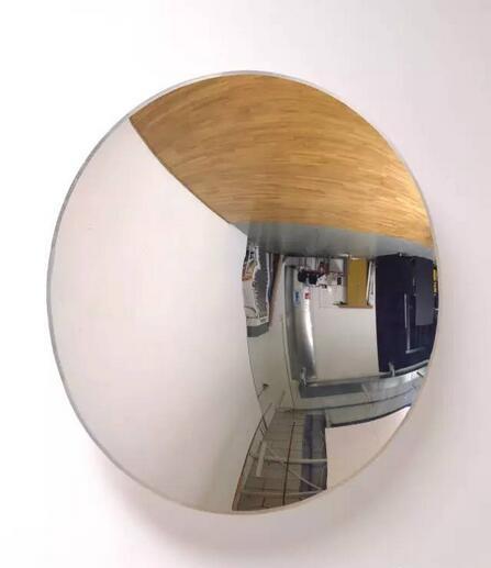 塞里斯·怀恩·埃文斯 逆向·反转·堕落 装置 1996 年 图片:泰特美术馆
