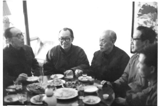 左起:叶盛兰、许麟庐、何海霞、萧盛萱