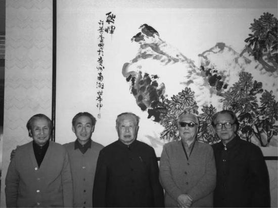 左起:陆俨少、秦岭云、魏金非、谢稚柳、许麟庐