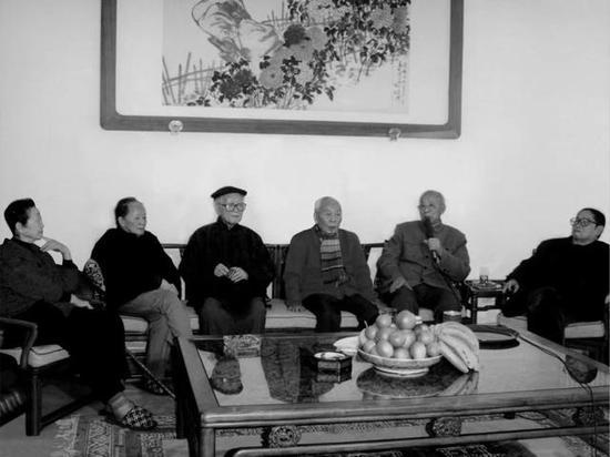 左起:郁风、黄苗子、许麟庐、吴祖光、齐良迟、丁聪