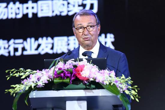 法国拍卖工会主席 Jean-pierre Osenat