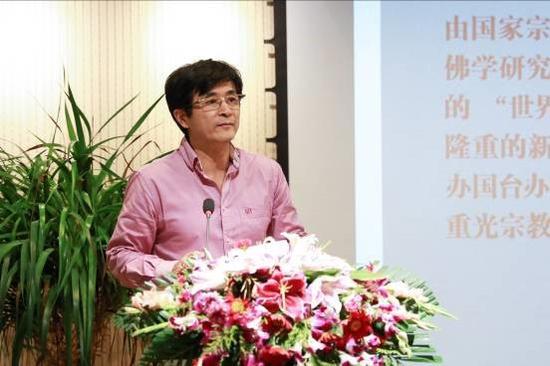 中国人民大学文艺复兴研究院院长丁方先生发言