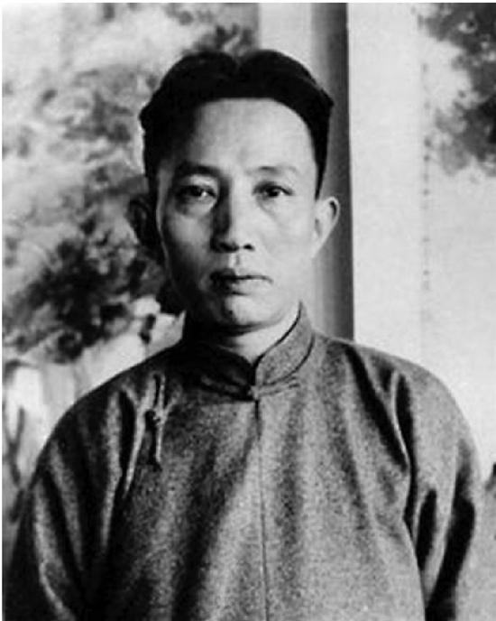 傅抱石(1904—1965年)原名长生、瑞麟,号抱石斋主人,后易号为名。