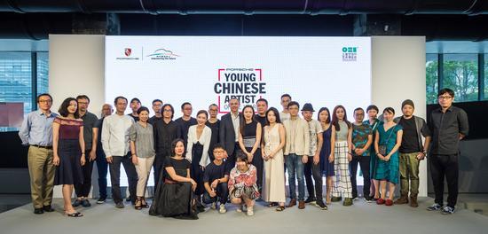 嘉宾及到场被提名青年艺术家合影