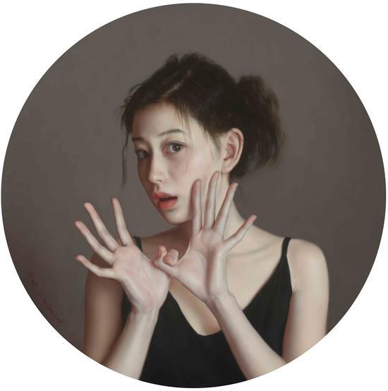 李贵君《迷惑》2015,60cm直径 布面油画