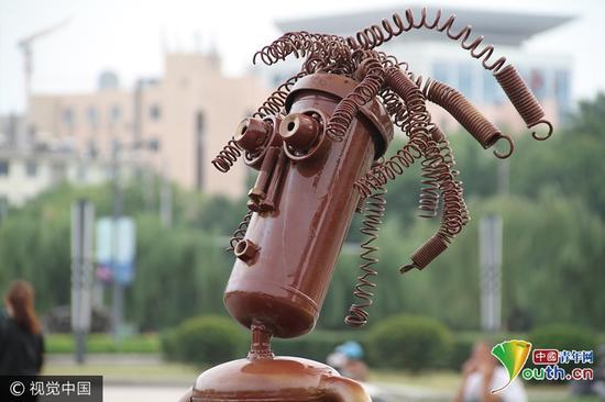 济南泉城广场废铁变雕塑|雕塑