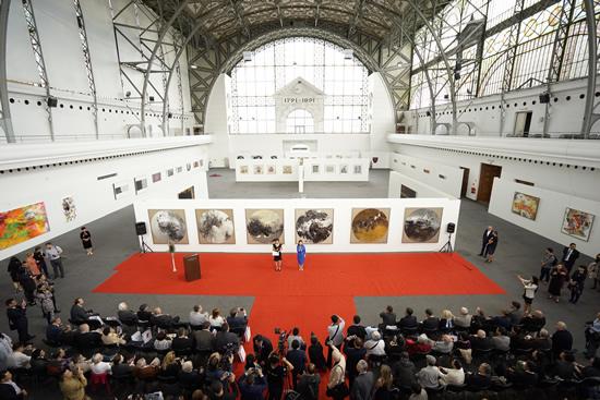 图为位于布拉格展览中心的开幕式现场