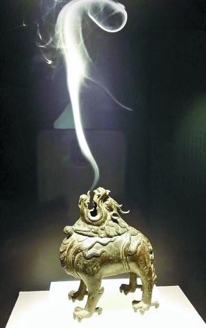 明 铜狻猊薰炉