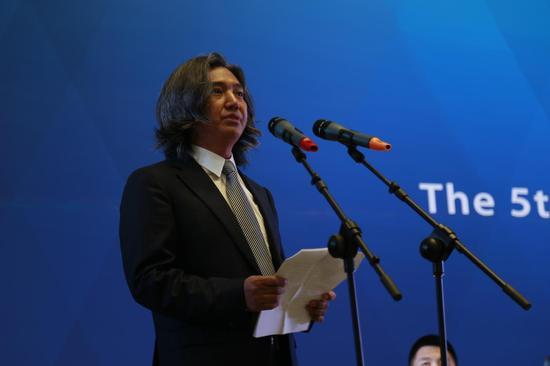 中国美术馆馆长、中国美术家协会副主席、雕塑大会学术主持吴为山致辞