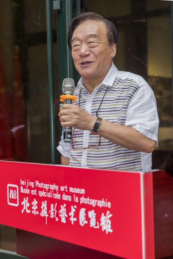 中国摄影家协会第六届、第七届副主席朱宪民致辞