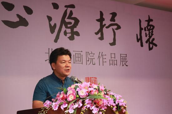 桂林市文联主席何绍连致辞。