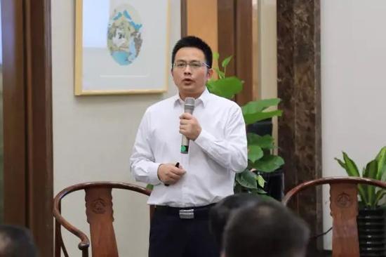 南方文交所总经理张志兵 主题演讲