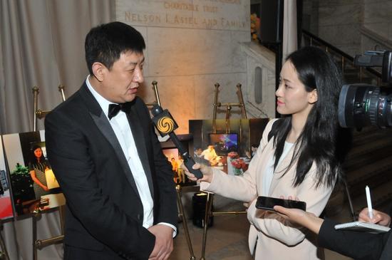 李永军现场接受凤凰卫视记者专访