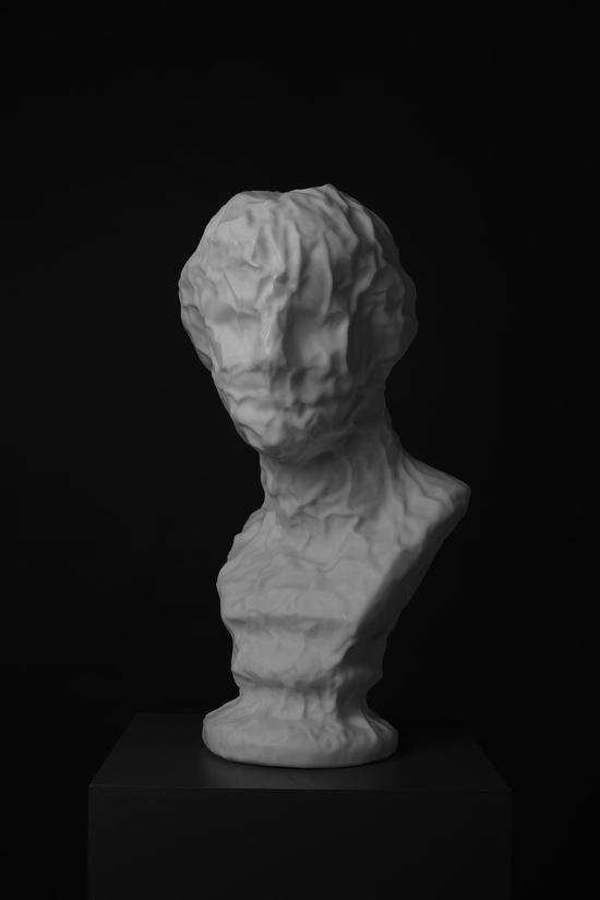 《维纳斯》汉白玉,高:65cm,2015年