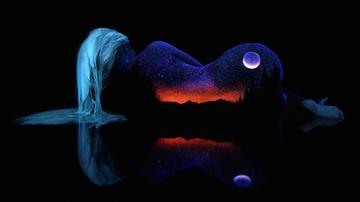 荧光彩绘:让你的身体变成银河系