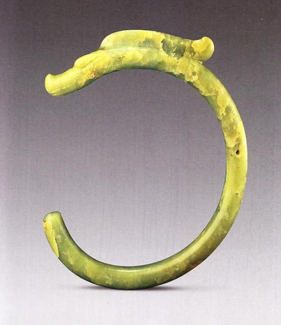 玉龙红山文化长60厘米 直径2.2-2.4厘米