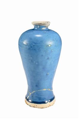 元孔雀蓝釉梅瓶