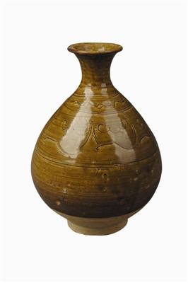 元黄釉刻花玉壶春瓷瓶