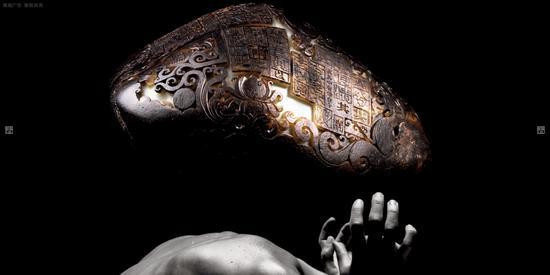 《执玉兹理》——中国玉石雕刻大师 崔磊 卷
