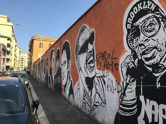 """JB Rock的""""Wall of Fame""""(photo by Wu Xiaoshuang)"""
