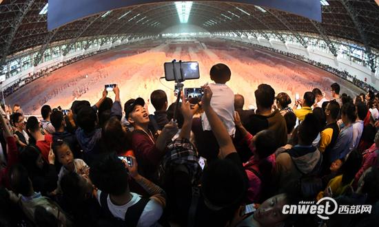 十一黄金周,秦始皇帝陵博物院共接待观众509337人次、同比增长7.95%。