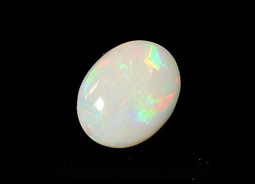 天秤座(09/24~10/23) -----蛋白石