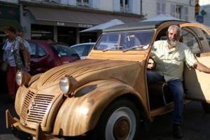 厉害了大爷 木匠花6年用木头造出老爷车