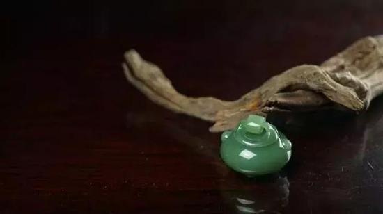 杨光的俄罗斯碧玉《沉香炉》