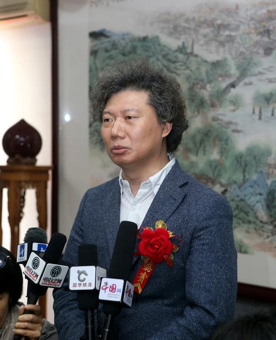 中国美协理论委员会副主任、《美术》杂志社长兼主编尚辉对杨留义城市山水画给予很高评价