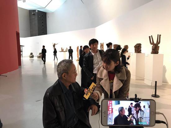 中央美术学院教授、著名雕塑家田世信接受采访