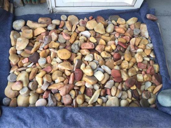 上图为石英岩戈壁料