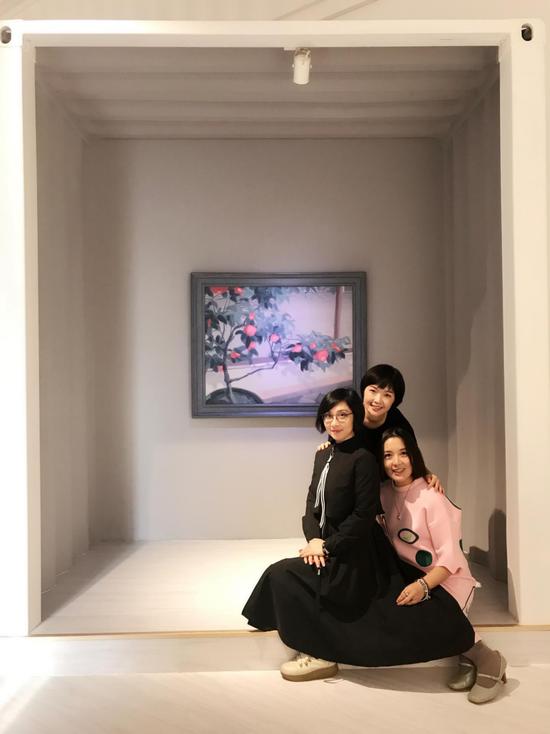展览现场 左起:艺术家王嘉、艺术家魏阳阳、作者画廊负责人丁浠文