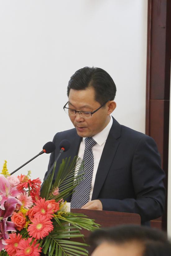 丁蜀镇人民政府镇长 储鑫 先生致辞