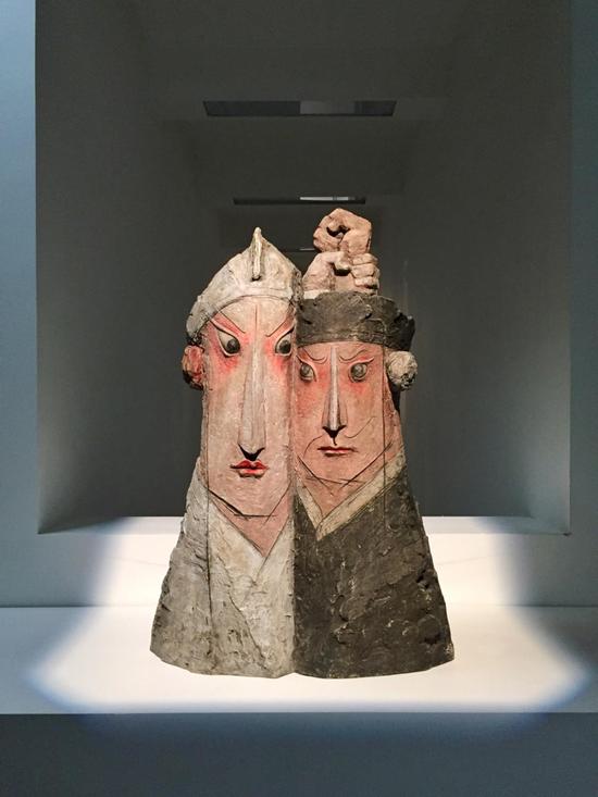 吴彤 Tong WU,三岔口 The Crossroads,2010,玻璃钢雕塑 FRP sculpture,120x90x50cm