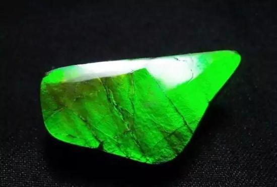 全绿色变彩