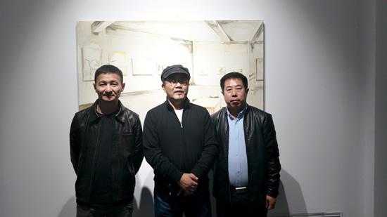 著名艺术批评家杨卫、艺术家赵少若、媒体人海东在现场合影