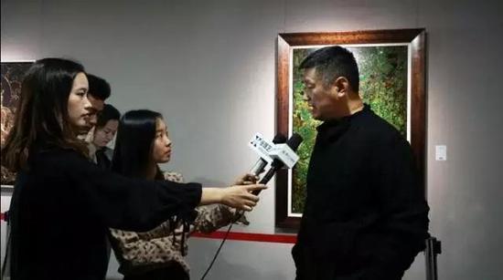 赵力教授接受媒体采访
