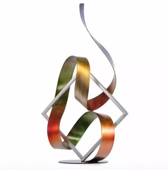 《方框与飘带》 铁艺雕塑