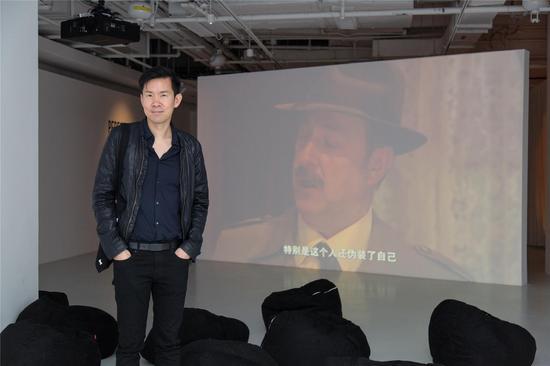 艺术家黄汉明作品《谁干的?》参加《展演剧场》展览