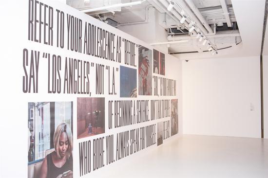 艺术家Martine Syms作品《99个小动作》