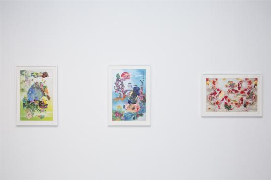 艺术家Trisa Bage作品《臭味小动物》(左一)及《无题》(右一、右二)
